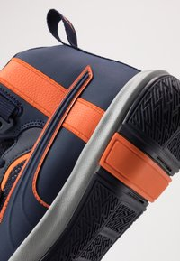 Puma - LEGACY MADNESS - Basketbalové boty - dark blue/orange - 5