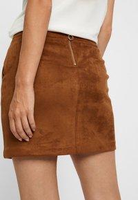 Vero Moda - VMDONNA DINA - Pencil skirt - cognac - 3