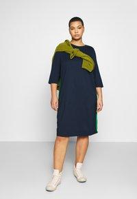 MY TRUE ME TOM TAILOR - SHIFT DRESS - Sukienka z dżerseju - real navy blue - 1