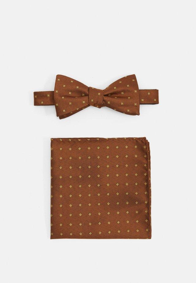 SLHLANDON BOWTIE HANKIE BOX SET - Pocket square - rust