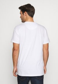 Common Kollectiv - UNISEX BOX FIT FLASH TEE - Basic T-shirt - white - 2