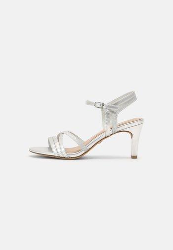 Sandalias - silver