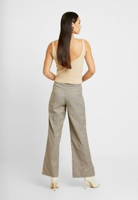 NORR - KINDSLEY PANTS - Broek - brown - 2