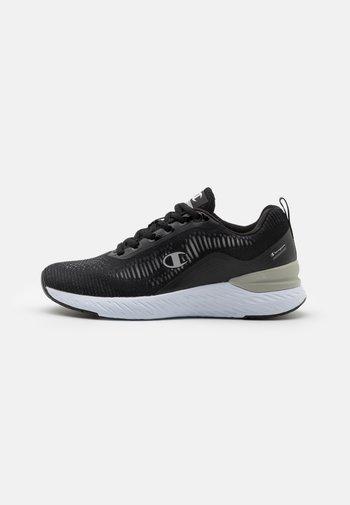 LOW CUT SHOE BOLD 2.2 - Zapatillas de running neutras - new black/grey