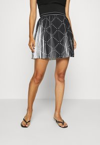 Guess - PAGE  - Pleated skirt - black - 0