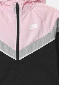 Nike Sportswear - POLY SET UNISEX - Tepláková souprava - black/pink foam/white - 3