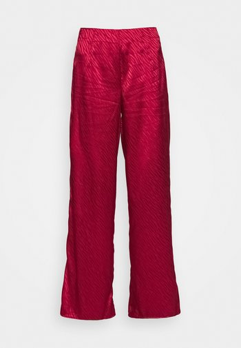 RED VOGUE TROUSER
