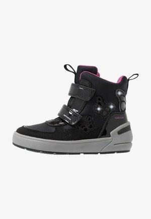 SLEIGH GIRL ABX - Stivali da neve  - black/fuchsia