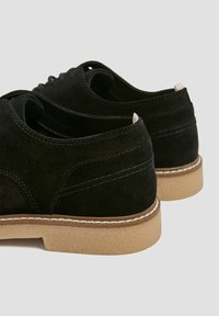PULL&BEAR - Trainers - black - 4