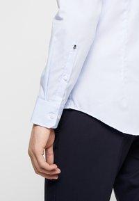 Seidensticker - SLIM FIT - Shirt - light blue - 5