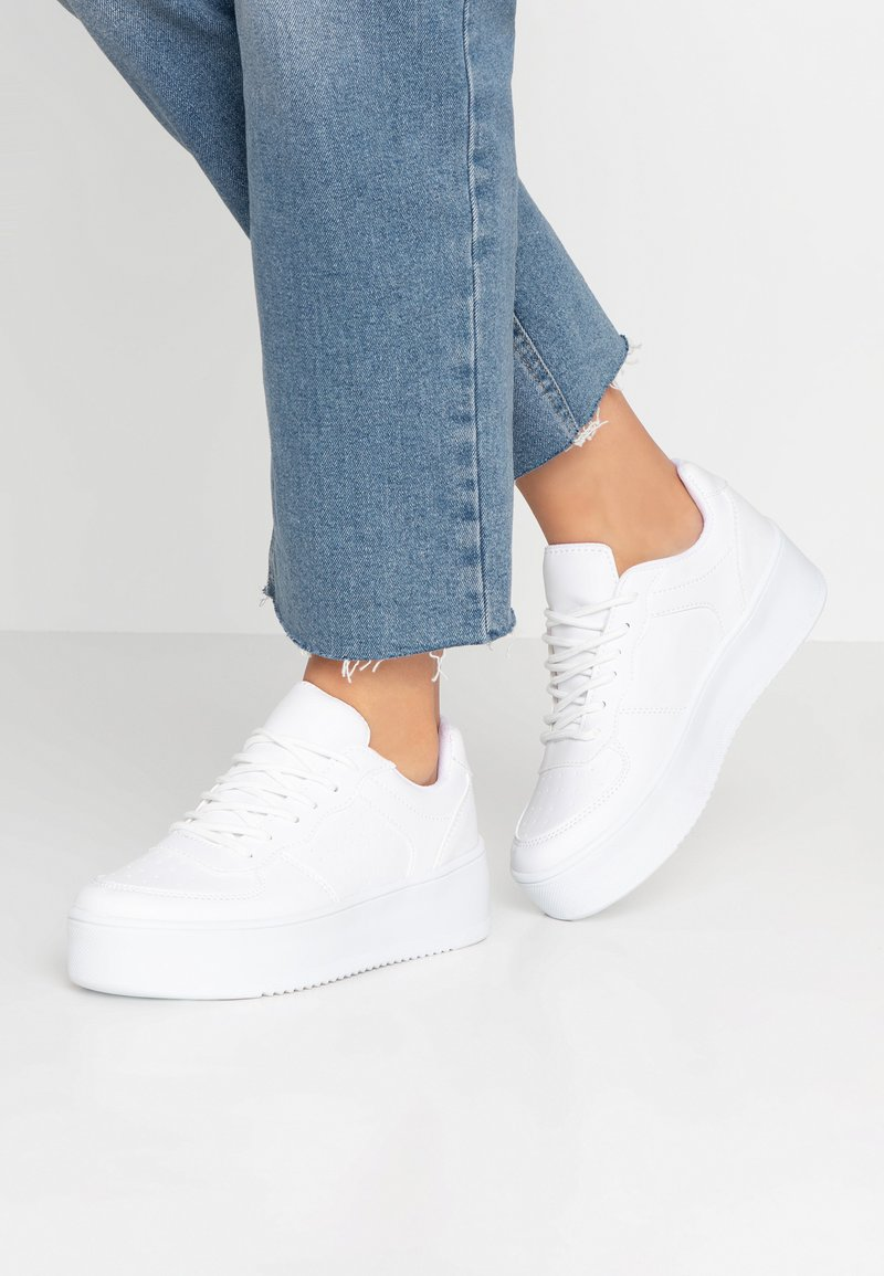 Nly by Nelly - FLIRTY PLATFORM - Baskets basses - white