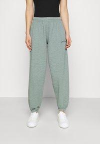 BDG Urban Outfitters - JOGGER PANT - Pantaloni sportivi - teal - 0