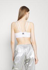 adidas Originals - BRA ORIGINALS ADICOLOR PRIMEGREEN TOP FITTED - Top - white - 3