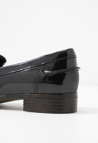 Clarks - HAMBLE LOAFER - Mocasines - black - 2