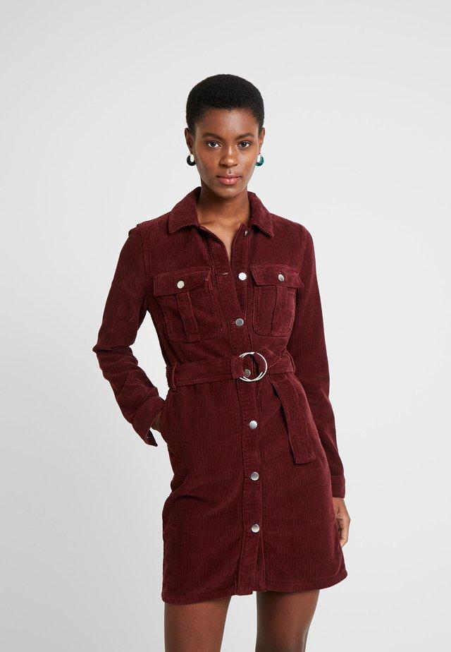 BUTTON THROUGH DRESS - Shirt dress - wine