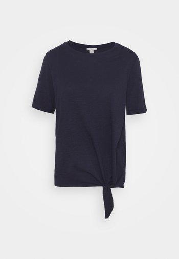 TIE TEE - Print T-shirt - navy