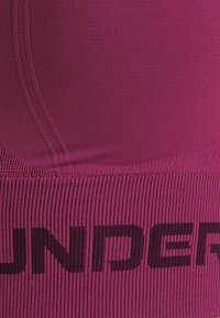 Under Armour - SEAMLESS LOW LONG BRA - Sujetadores deportivos con sujeción ligera - pink quartz - 6
