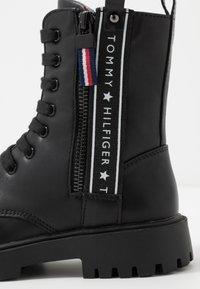 Tommy Hilfiger - Veterboots - black - 5
