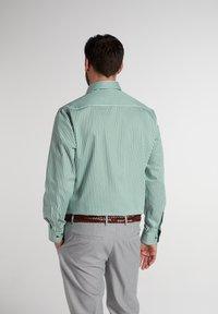 Eterna - COMFORT FIT - Shirt - grün/weiss - 1