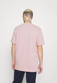 Fila - UNWIND TEE - Camiseta básica - pale mauve - 2