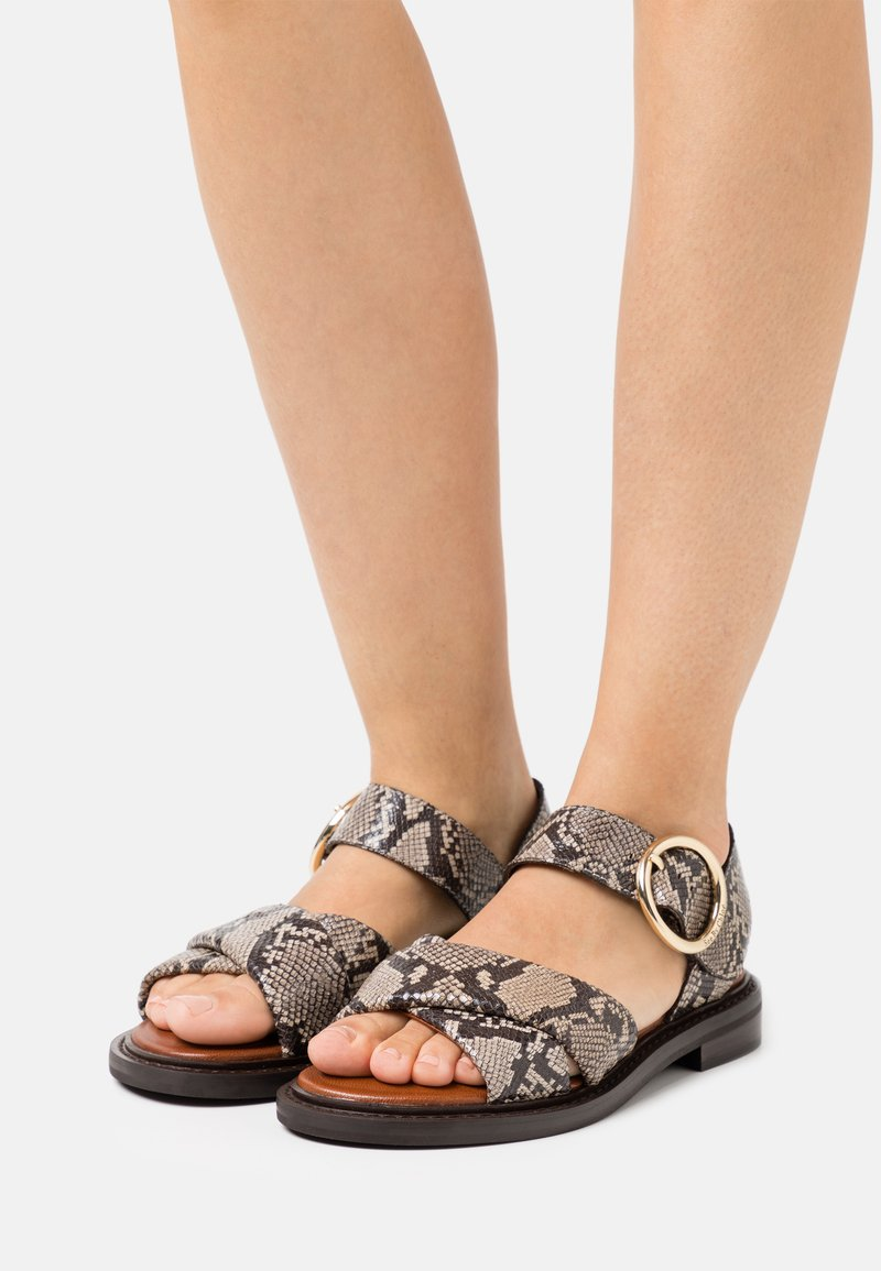 See by Chloé - LYNA FLAT - Sandals - dark beige