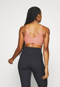 Nike Performance - INDY LUXE YOGA BRA - Sports bra - rust pink/particle beige - 2
