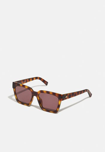 WEEKEND RIOT - Sunglasses - mottled brown
