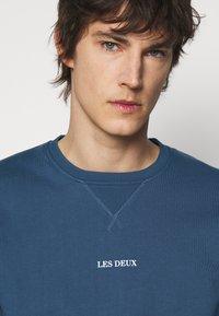 Les Deux - LENS - Sweatshirt - denim blue/white - 4