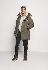 The North Face - RECYCLED MCMURDO UTILITY - Down coat - new taupe green - 1