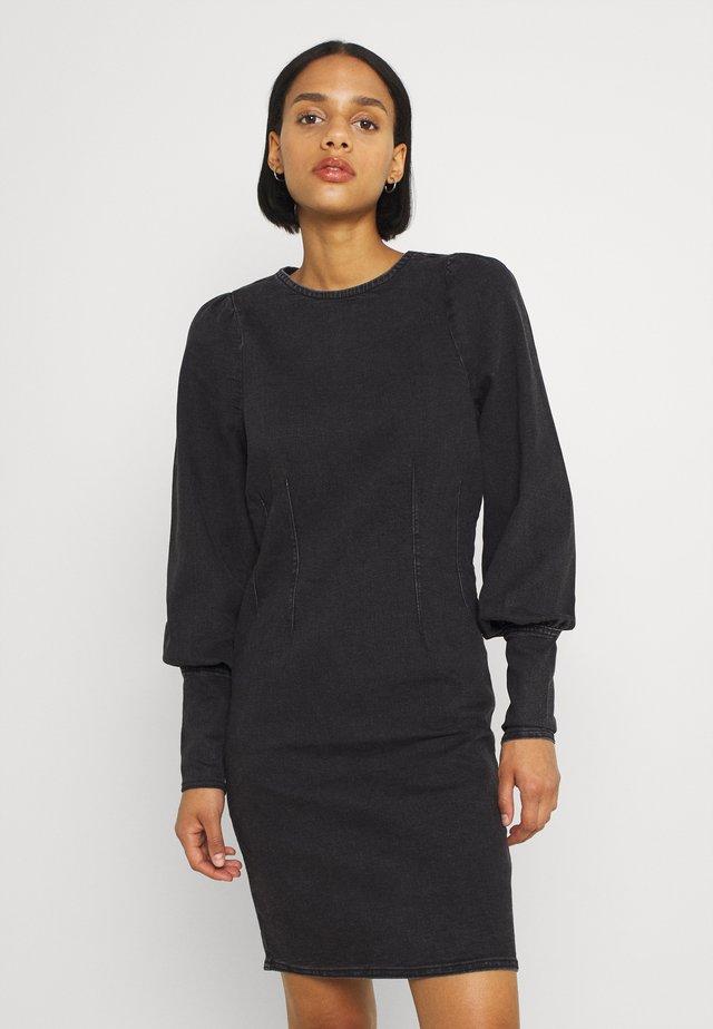 BYLIKA PUFF DRESS - Sukienka jeansowa - black denim