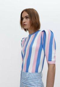Uterqüe - Print T-shirt - pink - 3