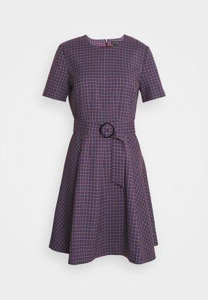 SEAMED FLARE HEM - Day dress - purple