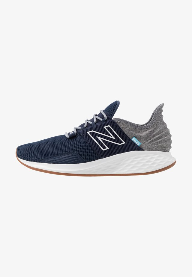 ROAV - Neutral running shoes - natural indigo