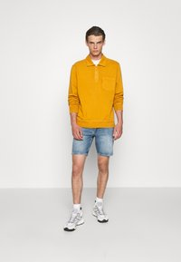 NN07 - JOHNNY SHORTS  - Denim shorts - blue denim - 1