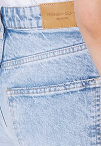 Gina Tricot - IDUN WIDE - Flared Jeans - bleached blue - 4
