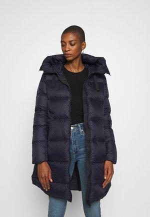 Kabát zprachového peří - night blue