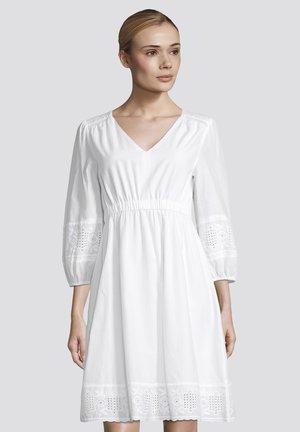 MIT LOCHSTICKEREI - Day dress - white