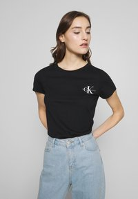 Calvin Klein Jeans - SLIM 2 PACK - Print T-shirt - black/bright white - 3