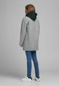 Jack & Jones Junior - Short coat - medium grey melange - 2