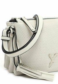 SURI FREY - ROMY  - Across body bag - ecru 320 - 5