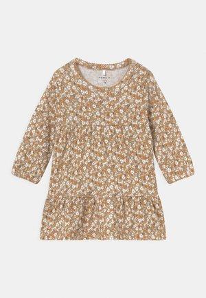 NBFKAISA DRESS - Jersey dress - curry