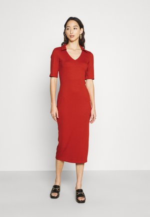 COLLARED MIDI DRESS WITH SPLIT AND 1/2 SLEEVES - Jersey dress - rust