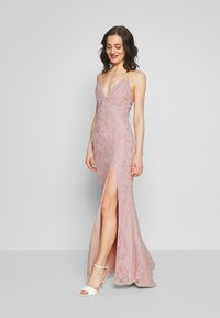 Nly by Nelly - IRRESISTABLE GOWN - Vestido de fiesta - dusty pink - 1