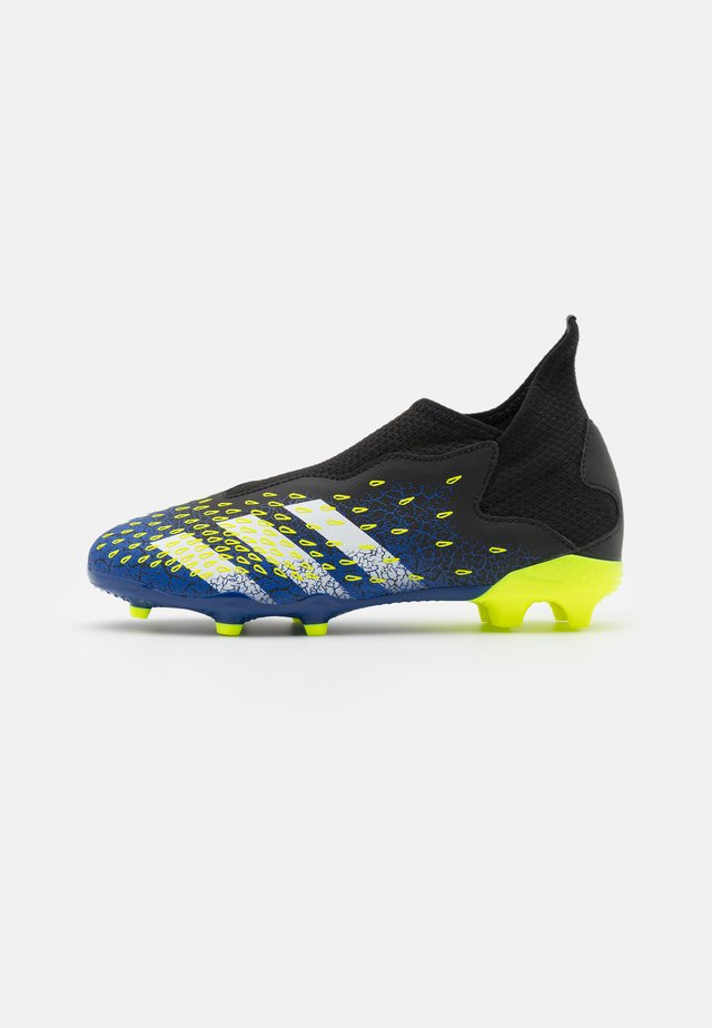 PREDATOR FREAK .3 LL FG UNISEX - Chaussures de foot à crampons - core black/footwear white/solar yellow
