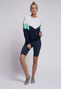 Hummel - STUDIO - Sweatshirt - black iris - 1