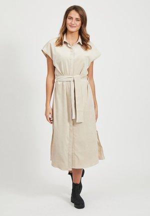 BLUSENKLEID BINDEGÜRTEL - Shirt dress - beige