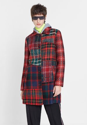 ABRIG CARACHI - Short coat - red