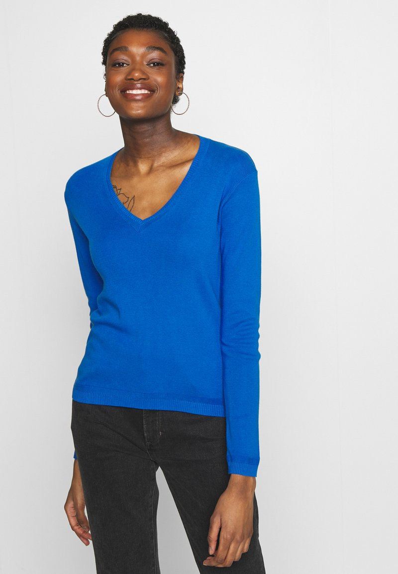 Benetton - V NECK SWEATER - Strikkegenser - blue