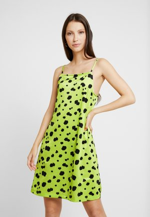 OLIVIA DRESS - Jerseykjoler - lime green