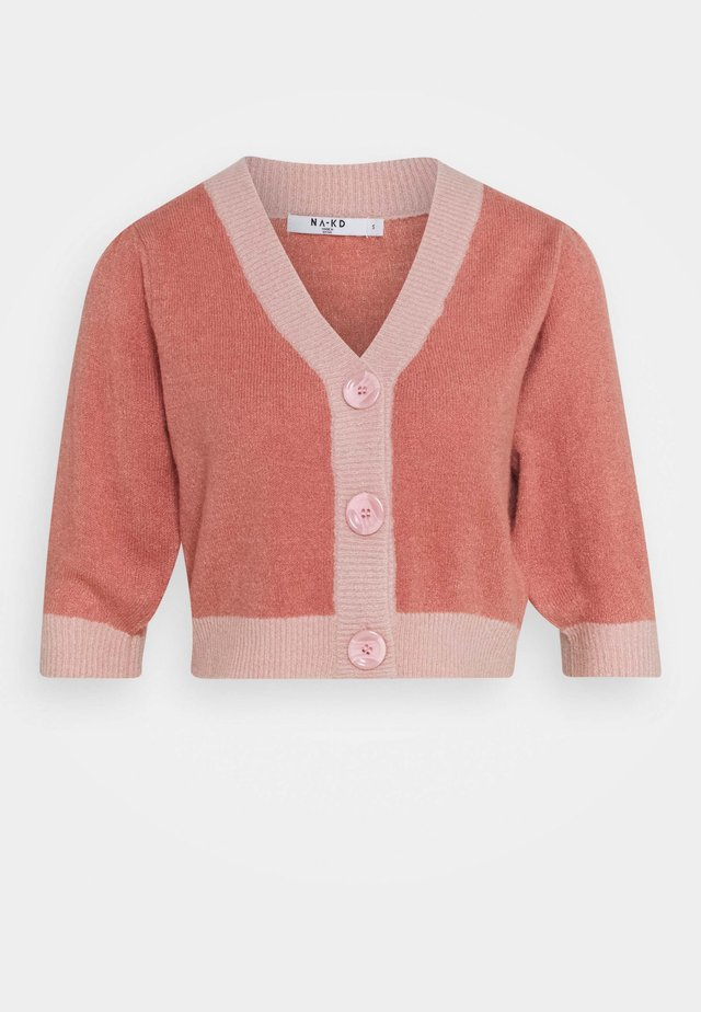BUTTON CROPPED CARDIGAN - Gilet - pink